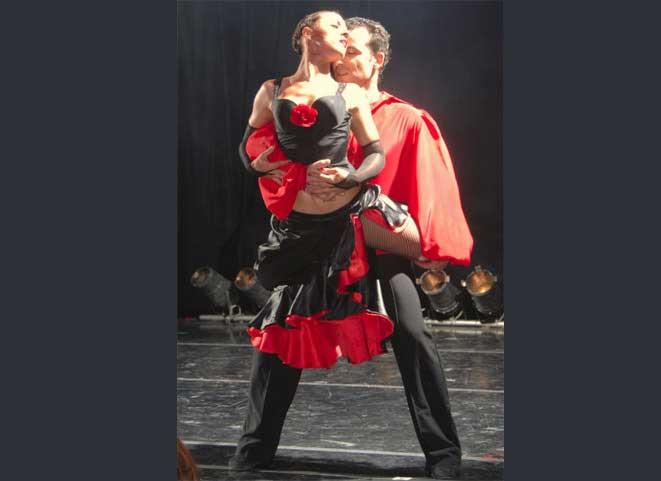d12393612d37 Εν χορώ - Σχολή χορού  Σχολές Χορού Παλαιό Φάληρο